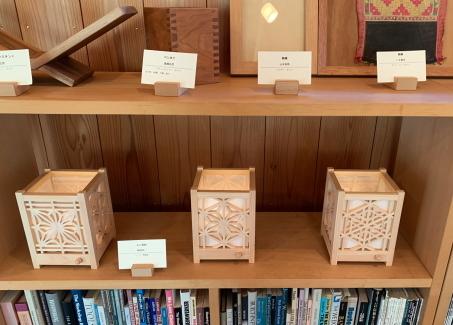 木工教室の作品展を見に行って来ました_f0185066_16324624.jpg