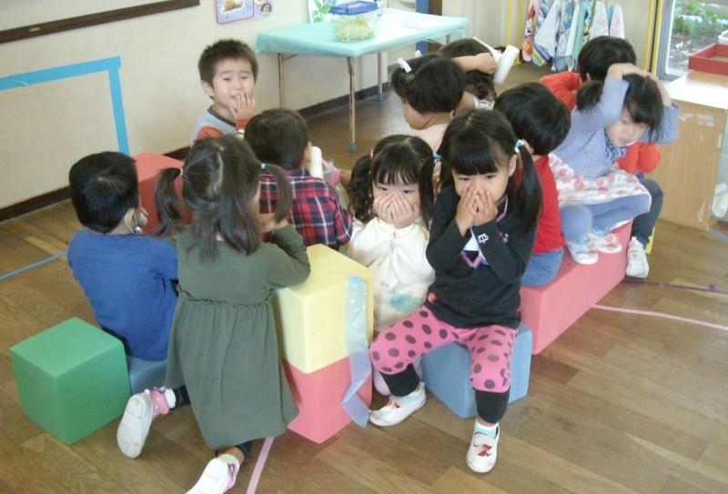 すみれ組~最近の室内遊び~_f0356892_19153356.jpg