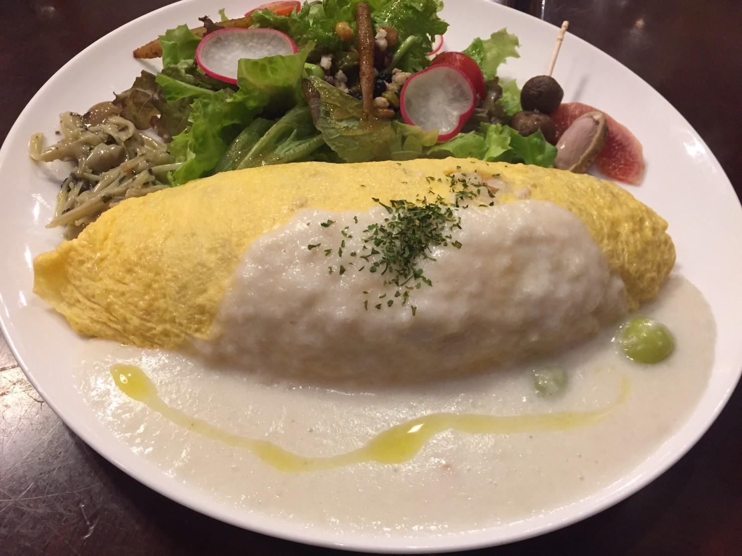喫茶 1er ぷるみえ (鶏そぼろご飯に里芋のクリームソース)_e0115904_12144174.jpg