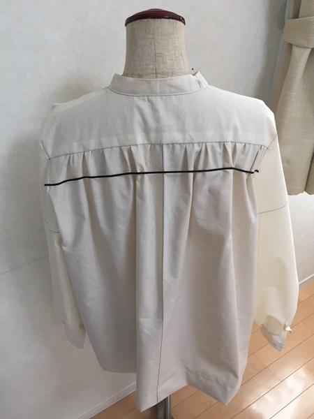 ギャザーたっぷりのシャツ作っています。_c0319009_15141065.jpg