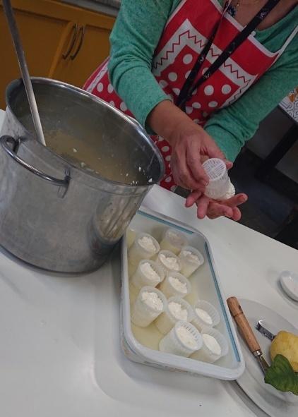南イタリアユキキーナツアー2日目② レモン農家で料理レッスン_d0041729_00100367.jpg