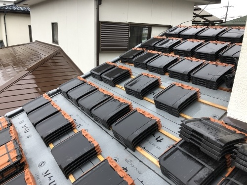 笛吹市 ブラックの屋根  其の二_b0242734_20260874.jpeg