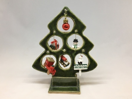 クリスマスツリーを作りましょう_e0132834_14452054.jpeg