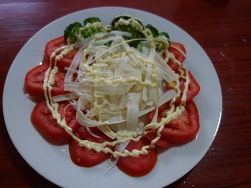 ピラニヤラーメンとヤシのサラダを作ってみた_c0030645_08410458.jpg