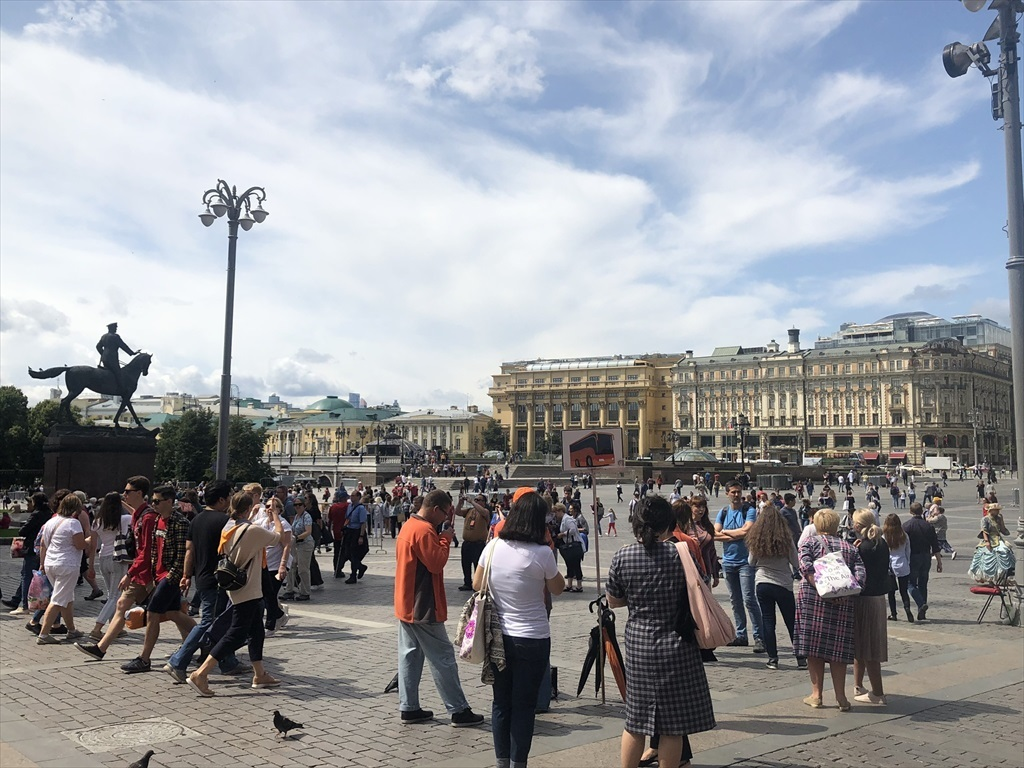 赤の広場は満員!@モスクワ_a0092659_23474417.jpg