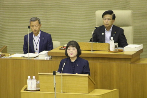 2019年9月議会報告 中道浪子議員は共産党市議団を代表して、12議案中9議案に反対し討論を行いました。_e0258493_13510392.jpg
