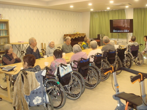 2019年9月議会報告 中道浪子議員は共産党市議団を代表して、12議案中9議案に反対し討論を行いました。_e0258493_16190127.jpg