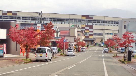 駅通りは紅葉真っ盛り_c0336902_22501457.jpg
