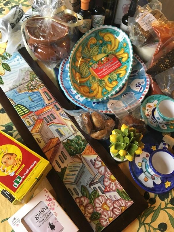 南イタリアユキキーナツアー3日目② 陶器の街ヴィエトリスルマーレ→ミノーリ_d0041729_09583068.jpg