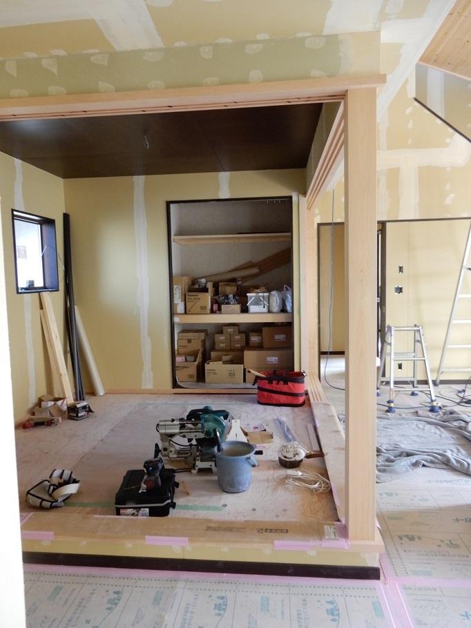 伊那市の設計事務所の家づくり  開放的なリビングがある家「工事監理 内装工事」 _b0146238_23271433.jpg