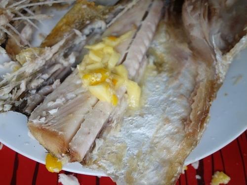 ベレン市場にて、幻の超高級魚アロワナでランチ_c0030645_09555642.jpg