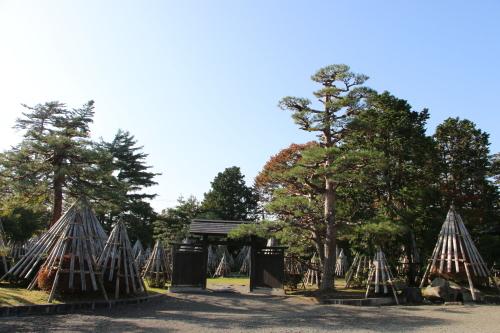 上杉伯爵邸(上杉記念館)の朝、2019.10.31_c0075701_09450369.jpg