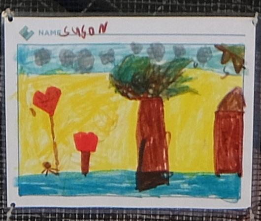 NYの小学校にいーっぱい貼り出されてる子どもたちが描いた絵_b0007805_06191579.jpg