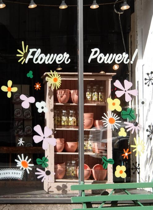 """ニューヨークを代表する老舗の食器屋さん「フィッシュ・エディ」の""""Flower Power""""(お花のパワー)_b0007805_07294881.jpg"""