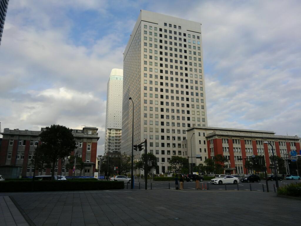倉庫事務所と横浜第2合同庁舎