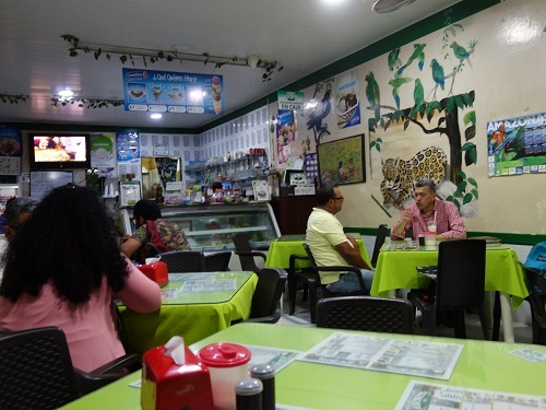 コロンビアの第一食はAPANADOでいってみた_c0030645_11380223.jpg