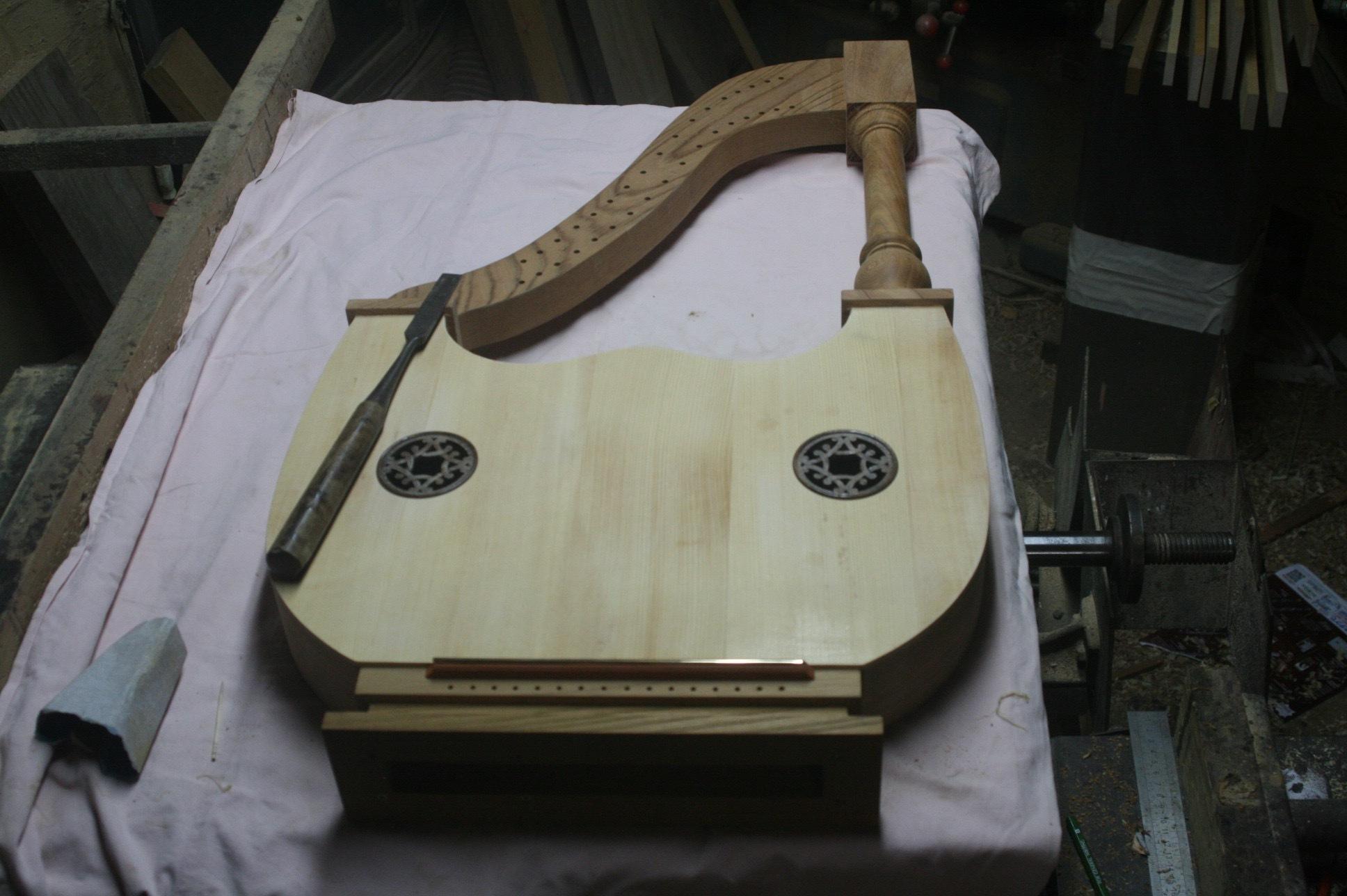 3台の古代楽器#5_e0064847_18212198.jpg