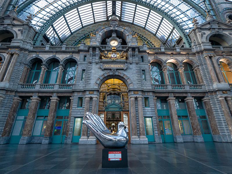 ベルギー・12 夜のアントウェルペン中央駅_a0003650_23065683.jpg