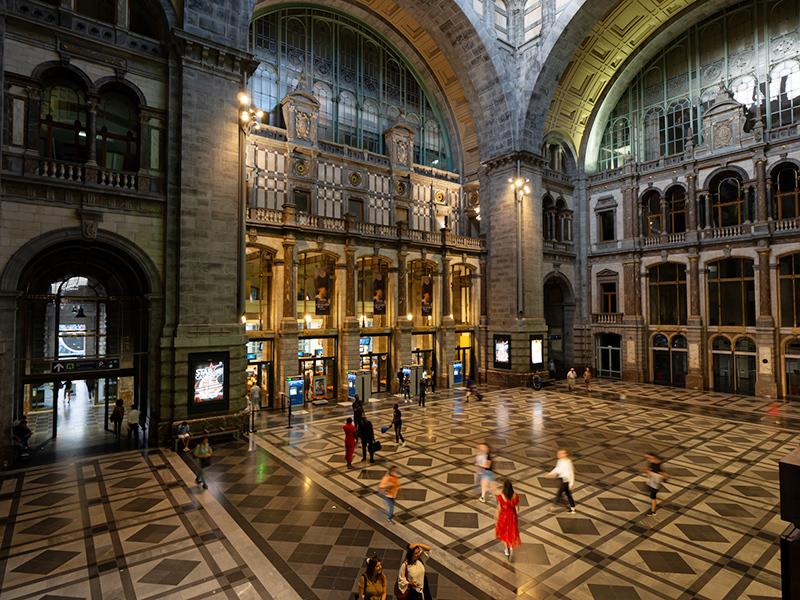 ベルギー・12 夜のアントウェルペン中央駅_a0003650_23102754.jpg