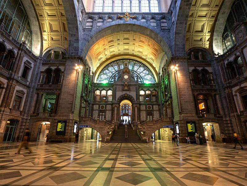ベルギー・12 夜のアントウェルペン中央駅_a0003650_23104516.jpg
