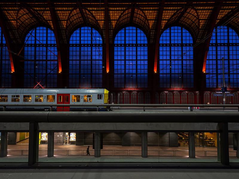 ベルギー・12 夜のアントウェルペン中央駅_a0003650_23120503.jpg