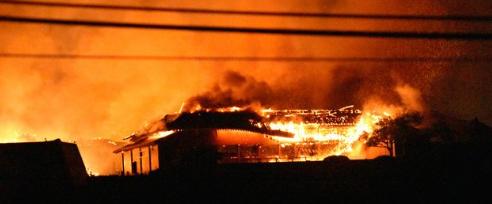 首里城の火災、午後1時半ごろ鎮火 7施設が焼失_e0404351_15460880.png
