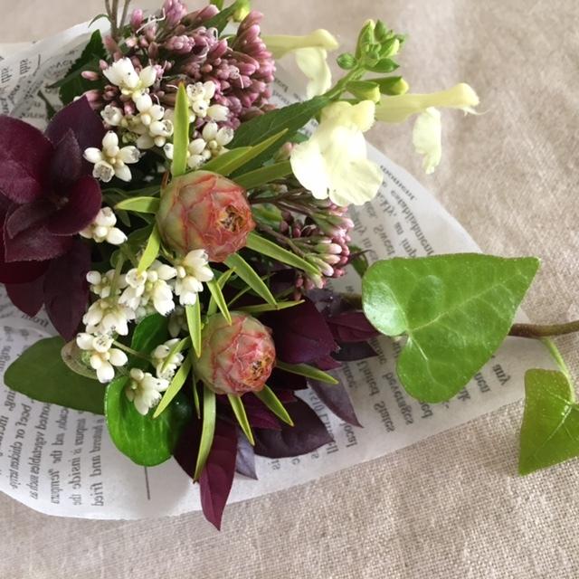 mini bouquet    小庭の植物をカットして母へ_a0165160_22392206.jpg