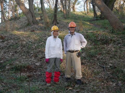 夫婦桜上の中折れスギなど伐採10・30六国見山手入れ_c0014967_09235733.jpg
