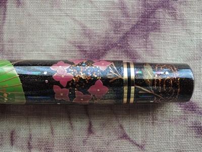 限定蒔絵万年筆「 和 傘(わがさ)」、撮りました。_e0200879_10135977.jpg