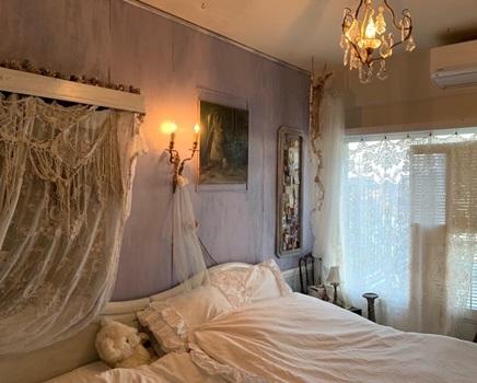 寝室のアンティークレースをチェンジ_e0237680_17223965.jpg