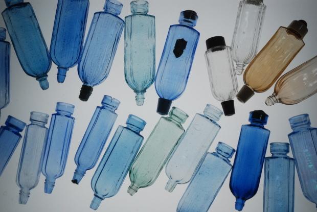 両口式目薬瓶 1_d0359503_16422675.jpg