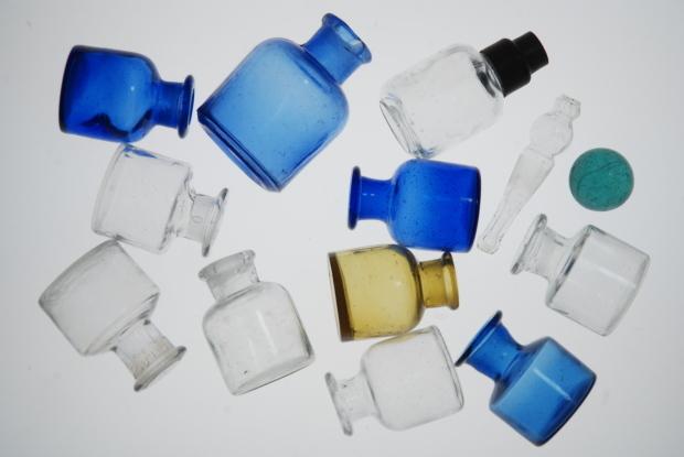 両口式目薬瓶 2_d0359503_16451341.jpg