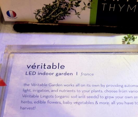 『室内で新鮮な野菜やハーブを育てる』のは世界的なトレンドかも?_b0007805_10433707.jpg