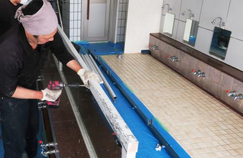 開発鉱泉さま 島シャワー取付工事_f0228240_14112460.jpg