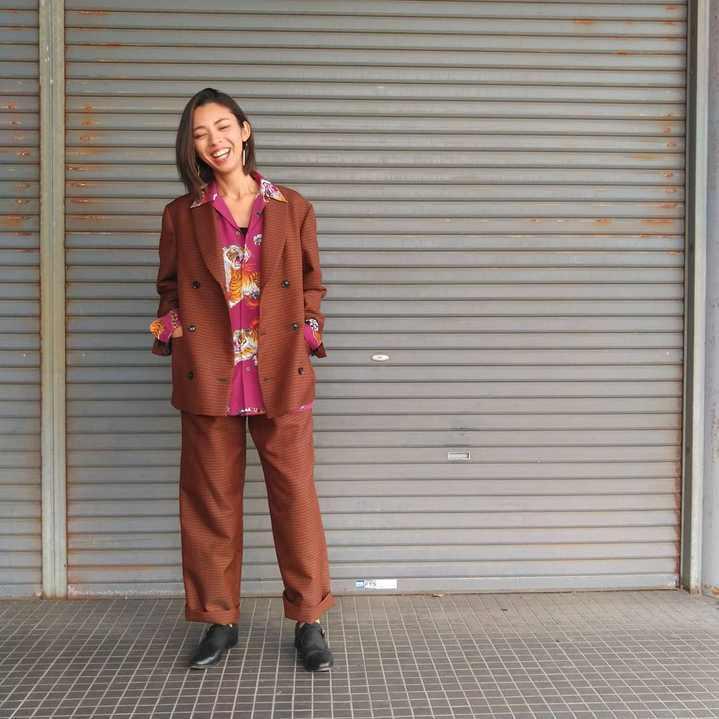 スーツ女子_d0100143_19594027.jpg