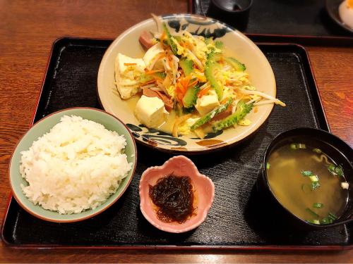 沖縄食堂 アンマー亭_e0292546_04552943.jpg