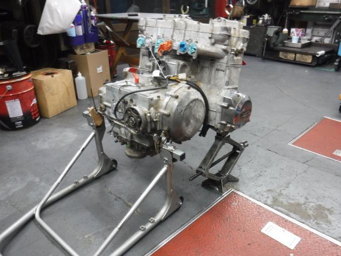 KAWASAKI KZ1300・・・エンジンでござります♪その1 _a0163159_23172821.jpg