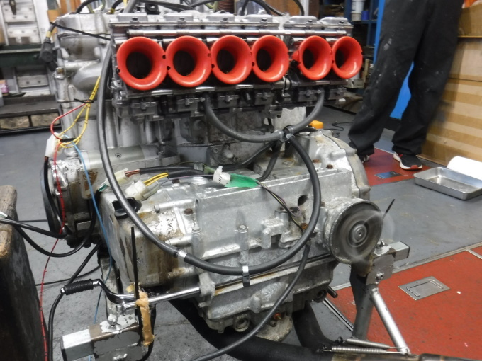 KAWASAKI KZ1300・・・エンジンでござります♪その3_a0163159_23221414.jpg