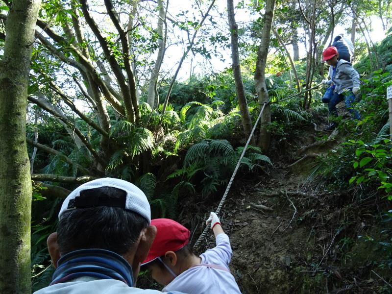 深日小学校2年生遠足「孝子の森探検」サポート _c0108460_16593966.jpg
