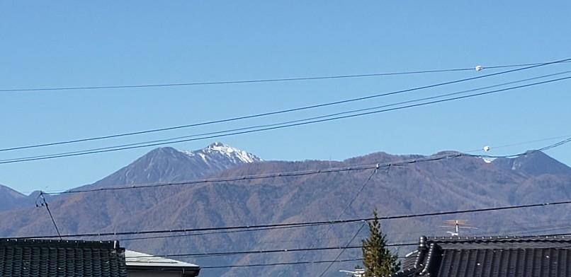 常念岳冠雪してますね..._b0222066_10035785.jpg