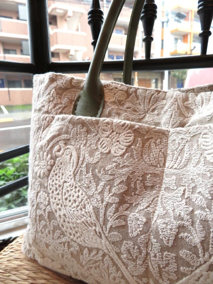 ピュアモリス『いちご泥棒』 刺繍生地バッグ ウィリアムモリス正規販売店のブライト_c0157866_19454813.jpg