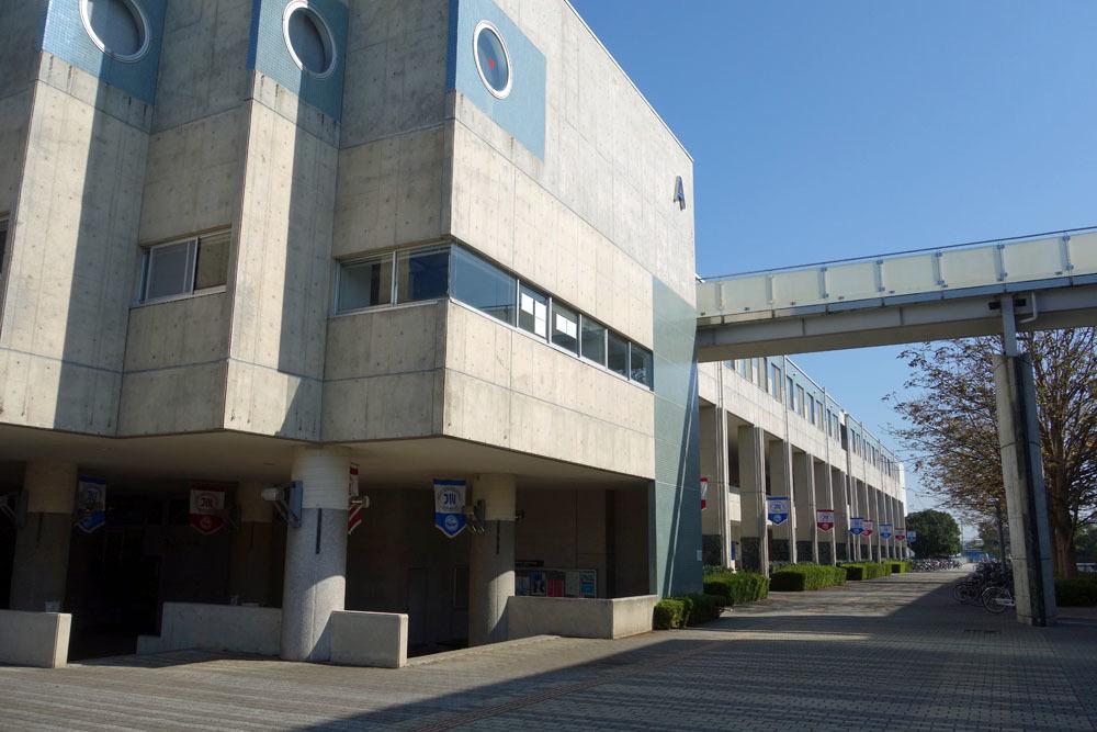 城西国際大学を見学_b0114798_16304436.jpg