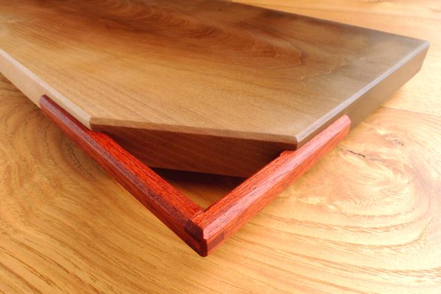 「取っ手付きカッティングボード」ヒノキ、朴木、ブラックウォルナット_e0248405_21223237.jpg