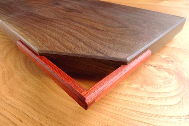 「取っ手付きカッティングボード」ヒノキ、朴木、ブラックウォルナット_e0248405_21225103.jpg