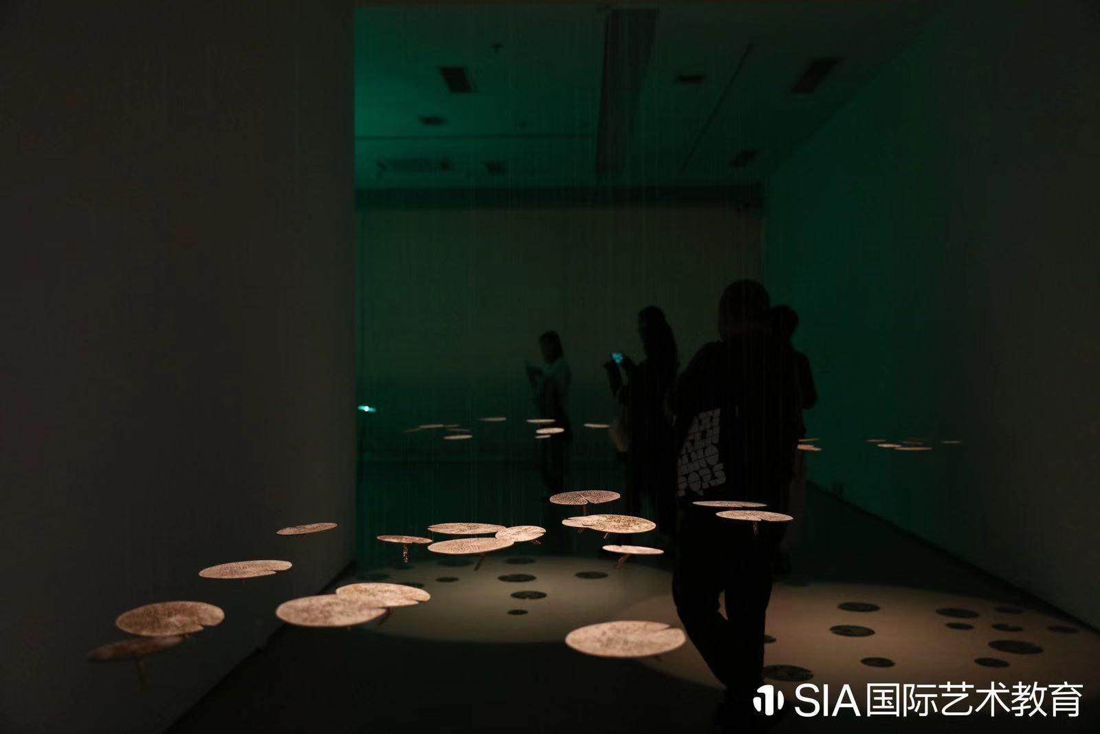 HERE THERE アートの未来:グローバルな新しいデザイン展_e0170406_10545629.jpg
