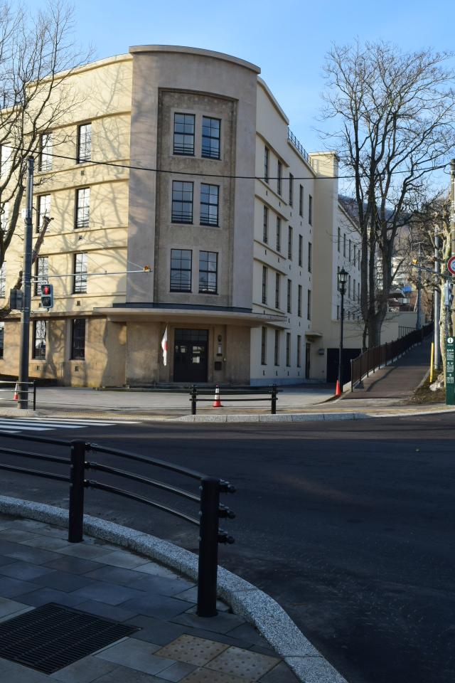 函館市立弥生小学校(函館の建築再見)_f0142606_13565434.jpg