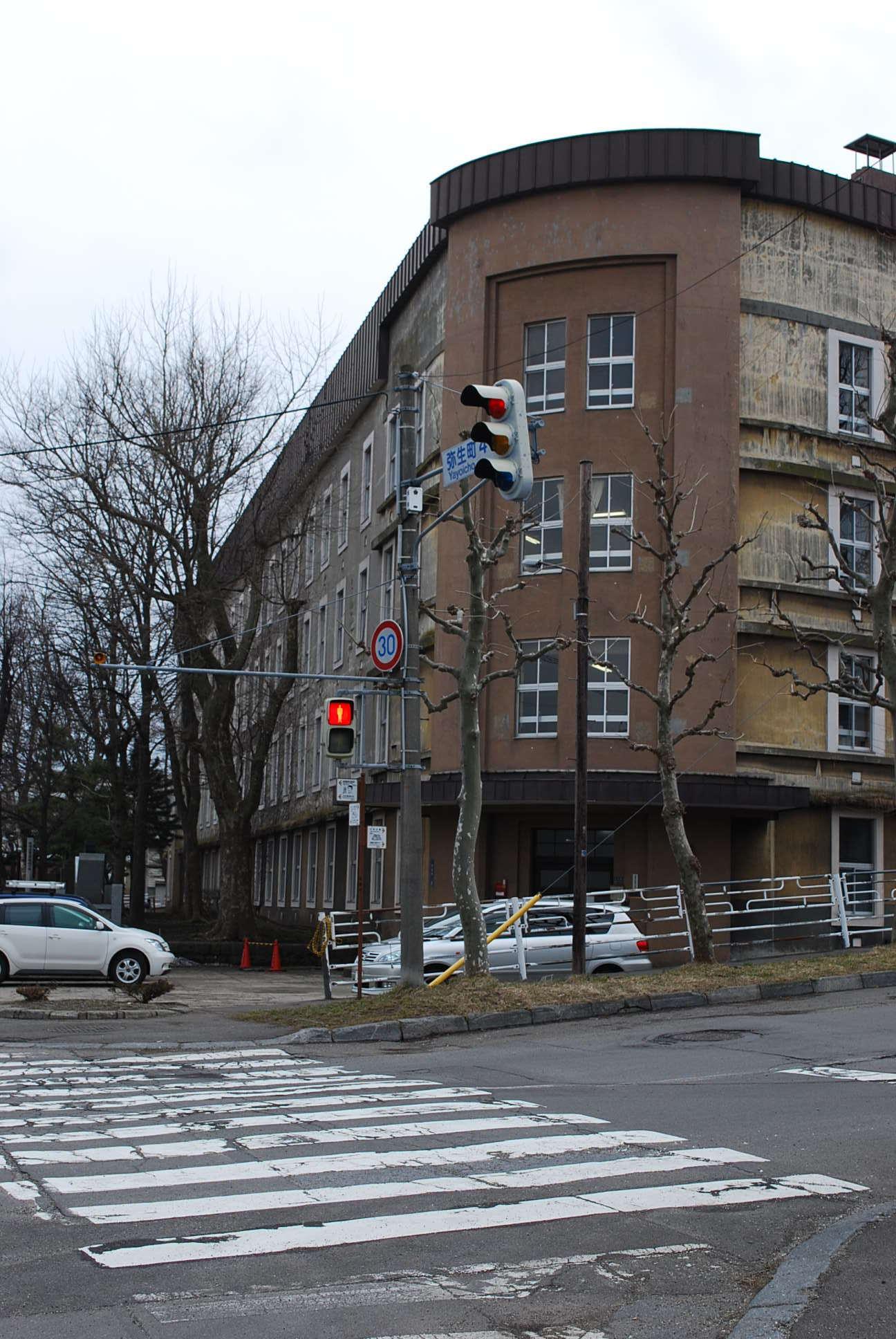 函館市立弥生小学校(函館の建築再見)_f0142606_14441466.jpg