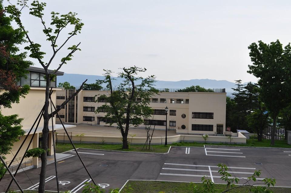 函館市立弥生小学校(函館の建築再見)_f0142606_16432820.jpg