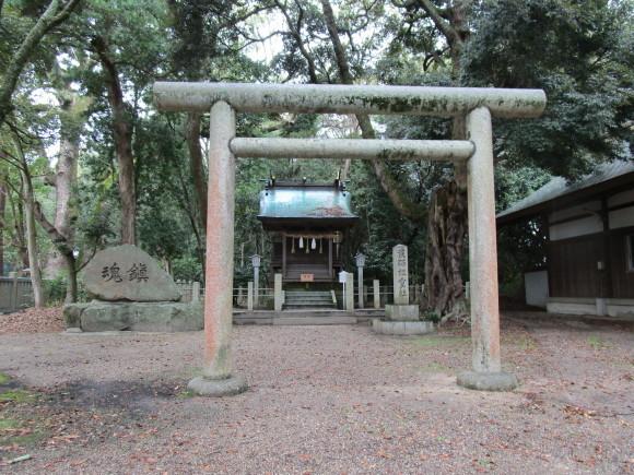 今も謎のまま淡路の伊弉諾神宮の祭祀線_a0237545_22065105.jpg