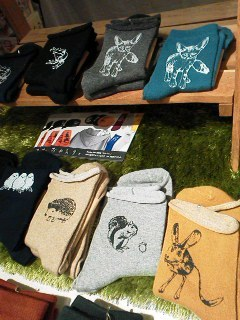 MotherTreeさん展示会【おかえり。】関西つうしんでの展示は11月3日(日)迄!インコと鳥の雑貨展始まりました_d0322493_00091867.jpg